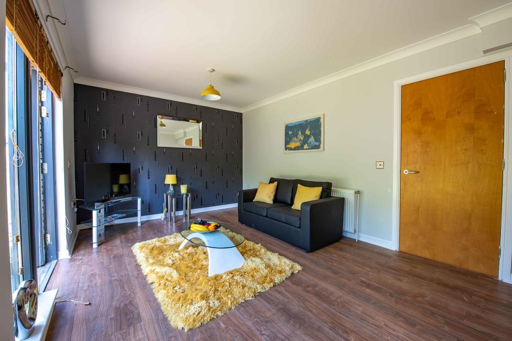 PREMIER – Ringsdale House Larkhall