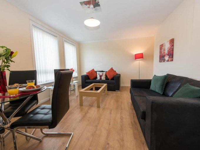 PREMIER – Paisley Road Apartment